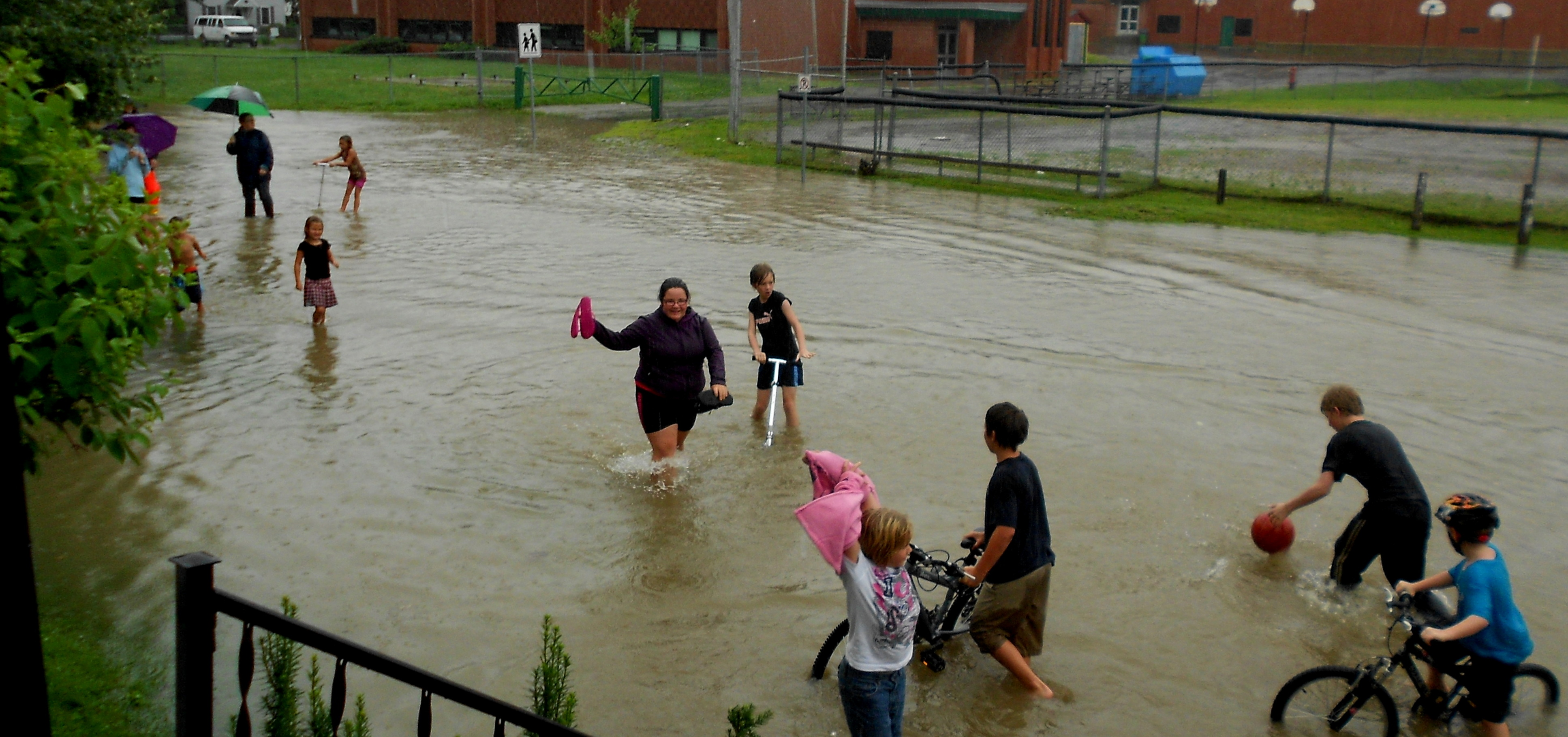 impromptu street party during flood